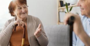 Investir dans une maison de retraite : avantages, inconvénients, risques